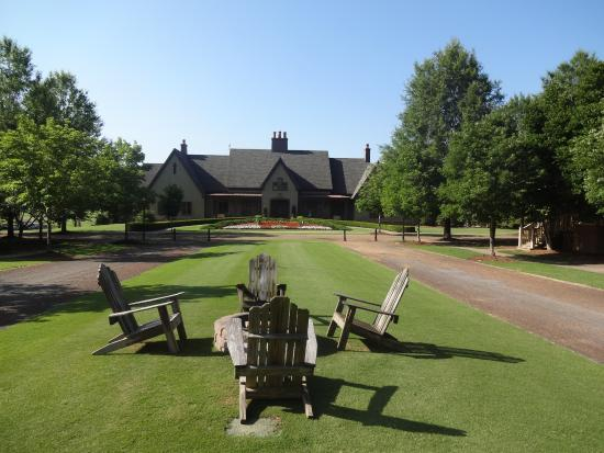 Woodlands Grill Restaurant With Views Of Lake And Golf Course Picture Of Barnsley Resort