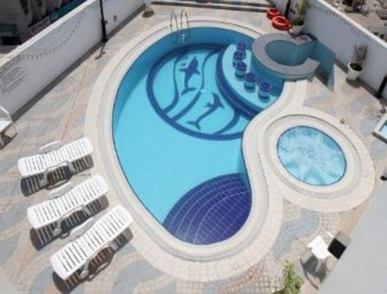 Howard Johnson Bur Dubai: Pool