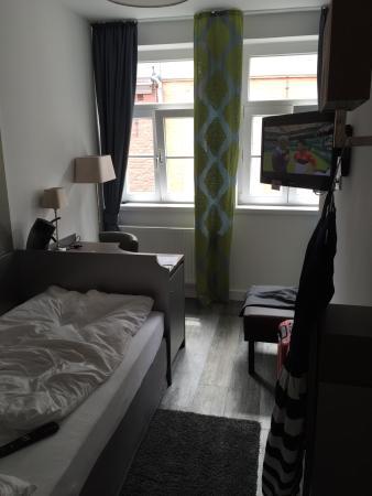 Haus Am Huhnerdieb Hotel: Einzelzimmer (Bett war bei Bezug natürlich ordentlich)