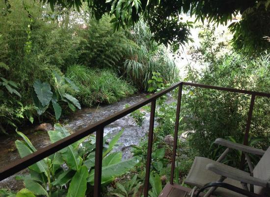 Hostal Garden by Refugio del Rio: Uur View