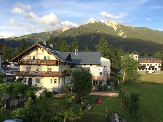 Landhaus Schmiedhof: The house and views of the surrounding. Great location and wonderful family that run the place: