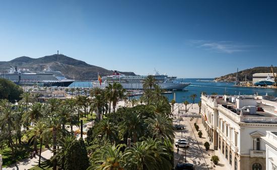 NH Cartagena: Junior Suite Views