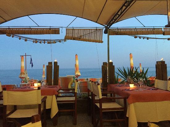 Vista spiaggia dal Rist. Bagni al Saraceno - Picture of Ristorante ...