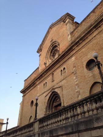 Atessa, İtalya: Vista esterna del Duomo