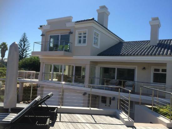 Bollard Bay House