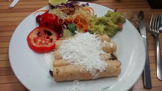 Tacos de pollo picture of 100 natural cancun tripadvisor - Tacos mexicanos de pollo ...