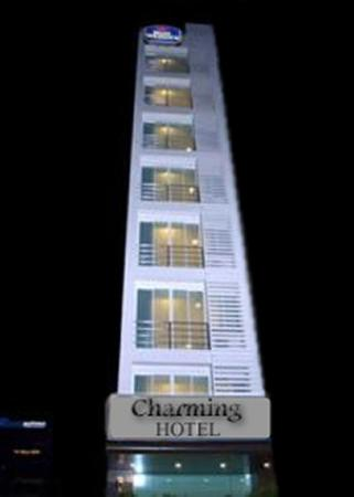 Hanoi Charming Hotel: Charming Exterior