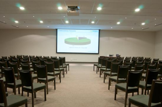 Atton San Isidro : Meeting Room
