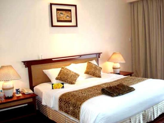 Holiday Diamond Hotel: Other Hotel Services/Amenities