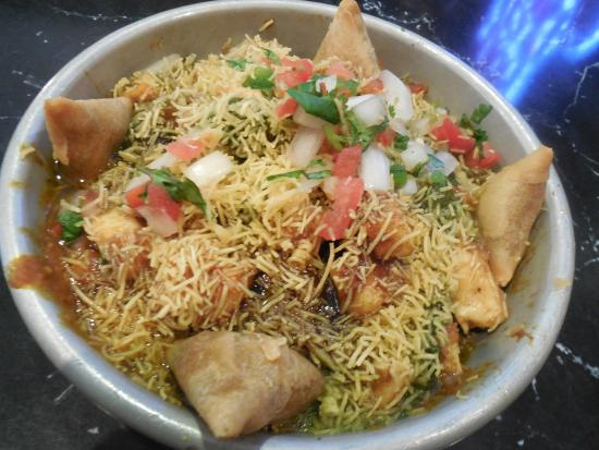 Curry Up Now : Deconstructed samosa chaat
