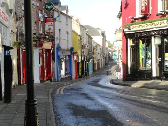 Ennis Walking Tours: Old town Ennis