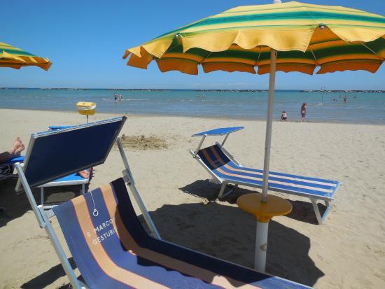 La spiaggia foto di bagno marconi 20 cesenatico tripadvisor - Bagno italia cesenatico ...