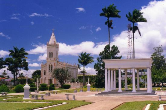 Amargosa, BA: Praça Lourival Monte