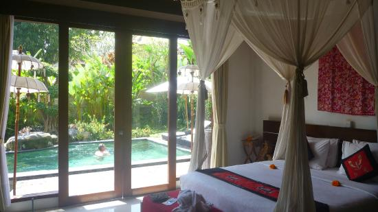 Baruna Sari Villa: Bedroom