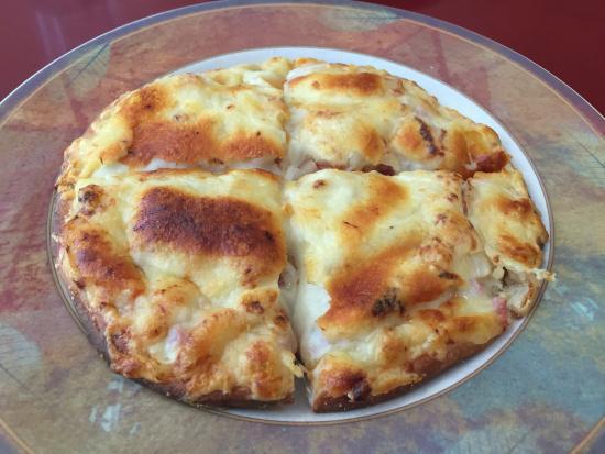 Colonnade Pizza & Restaurant: Pizza quiche?