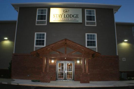 Stay Lodge of Auburn: Lobby view