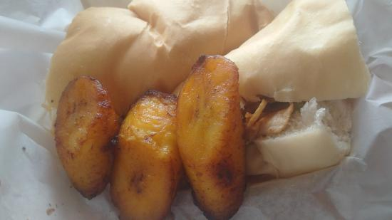 Frijoles Colorado : Chicken andwich and sweet plantains