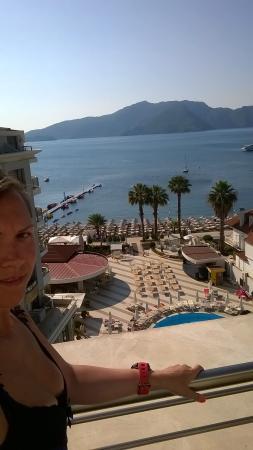 Grand Pasa Hotel: вид с отеля) на море