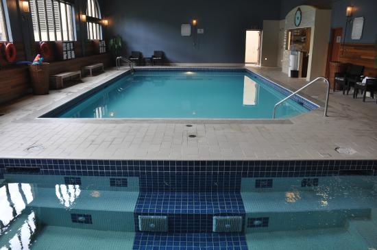 Indoor Swimming Pool Picture Of Fairmont Chateau Lake Louise Lake Louise Tripadvisor