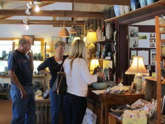 Tater Knob Pottery and Farm : .