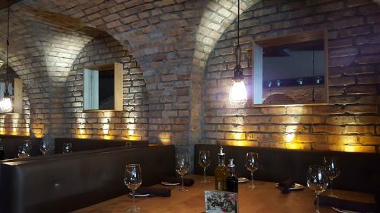 Cibo Wine Bar booth