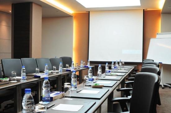City Suite Hotel: Meeting Room