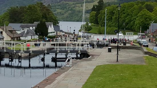 Caledonian House : fort Augustus