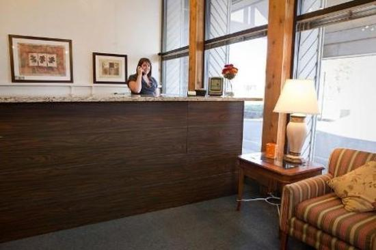 Idaho Inn: Lobby