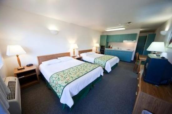 Idaho Inn: Two Queen Room