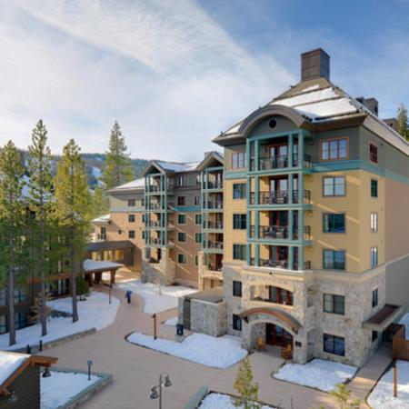 Constellation Residences at Northstar: Entrance