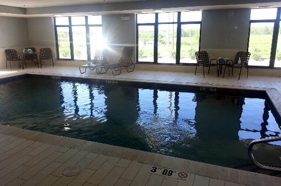 Hampton Inn Belton / Kansas City area: Pool area