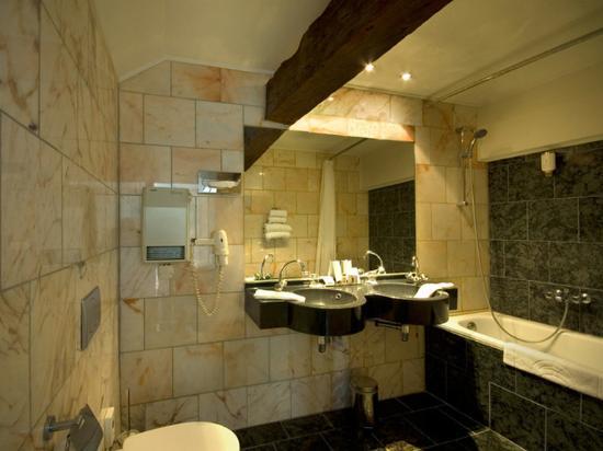 Hotel d'Orangerie: Bathroom