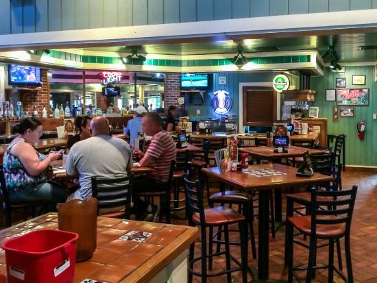 Chili's Grill & Bar: Interior View