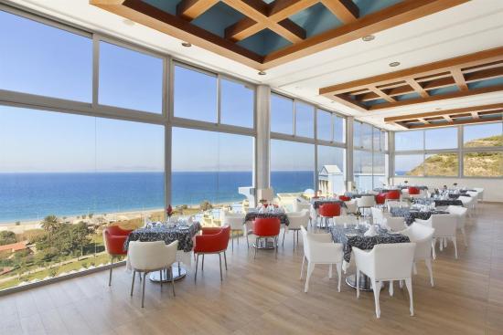 Atrium Platinum Hotel : Bar Lounge