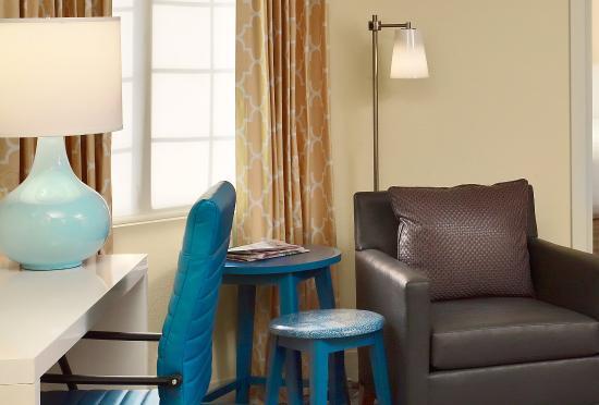 Sonesta ES Suites Columbia: Guest Room