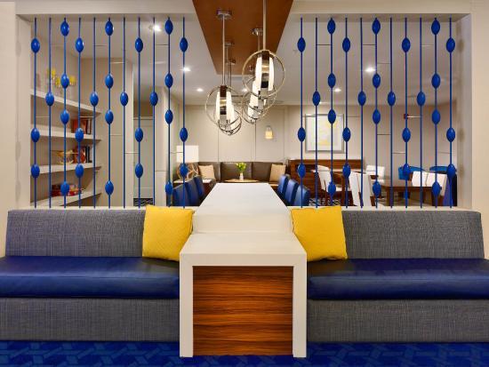 Sonesta ES Suites Schaumburg: Lobby