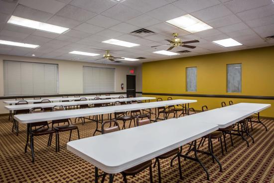Econo Lodge Salisbury: NCConference