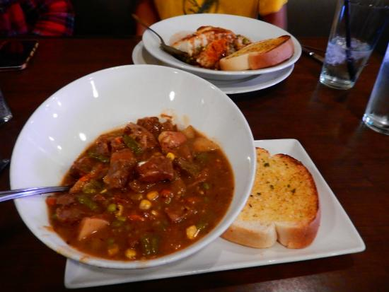 O'Shea's Eatery And Ale House: O'Sheas stew and Shepherds Pie