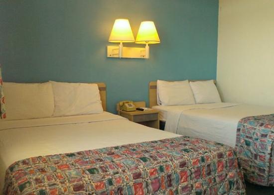 Western Inn Tucson: guest room