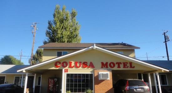 Colusa Motel: Front Office Entrance