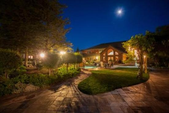 The Purple Orchid Wine Country & Spa : Exterior