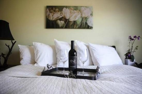 The Purple Orchid Wine Country & Spa : Queen Suite Meadowlark
