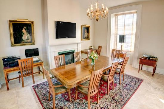The Waddell : Meeting Room