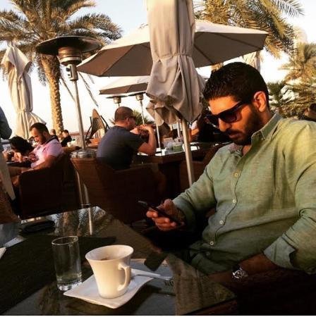 Emirato de Abu Dabi, Emiratos Árabes Unidos: While in NOVA