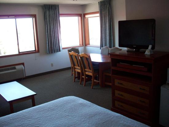 Bend Three Sisters Inn & Suites: Suite