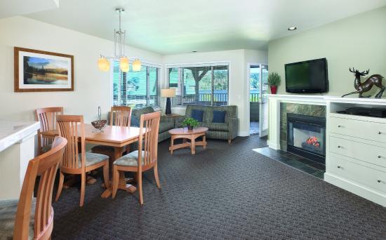 Arrow Point Condo: Three-Bedroom Suite Living Area