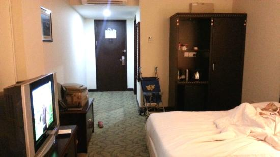 Palm Garden Hotel: Hotel Room Entrance