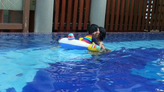 Palm Garden Hotel: Adult Pool