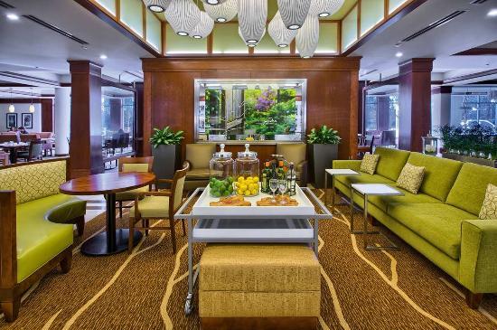 Hilton Garden Inn Durham/University Medical Center: Hotel Lobby Seating Area