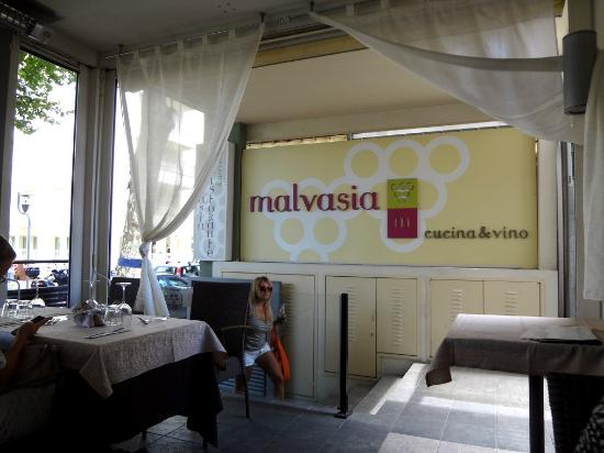 Malvasia: Вход в ресторан